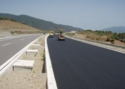 Hard aggregates for antiskid road pavements